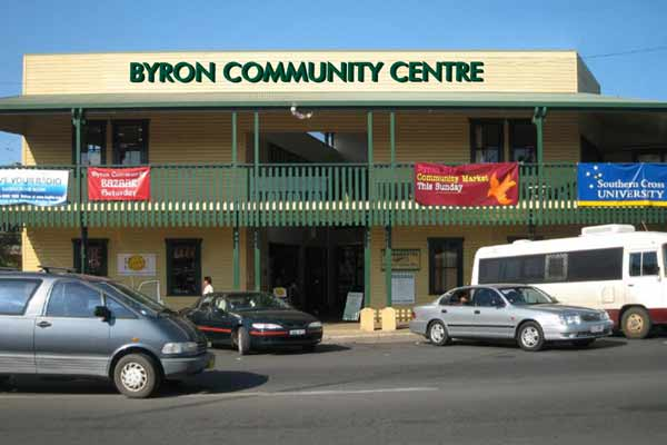 byron_community_outside