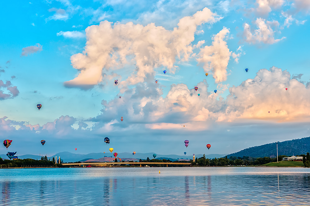 canberra-day-balloons